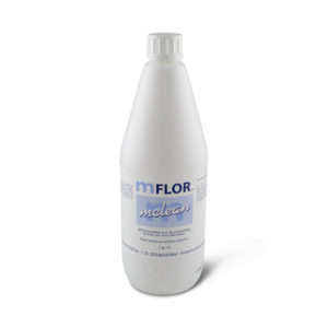 een fles Mflor MClean